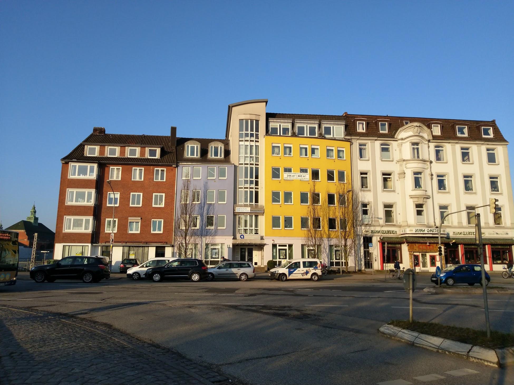 Die Fackenburger Allee in Lübeck N#ahe des Bahnhofs