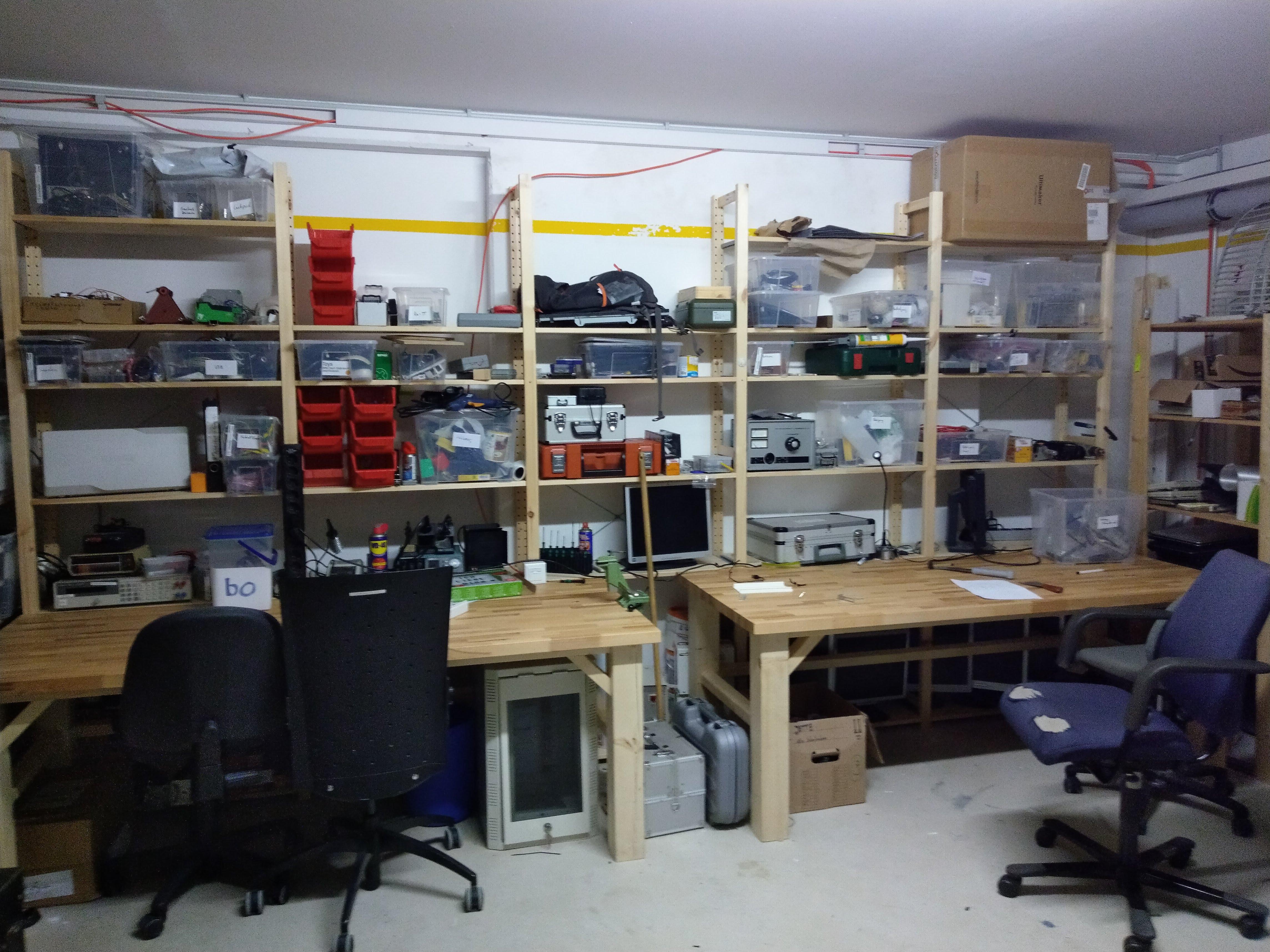 Für Bastler steht eine umfangreiche Werkstatt zur Verfügung