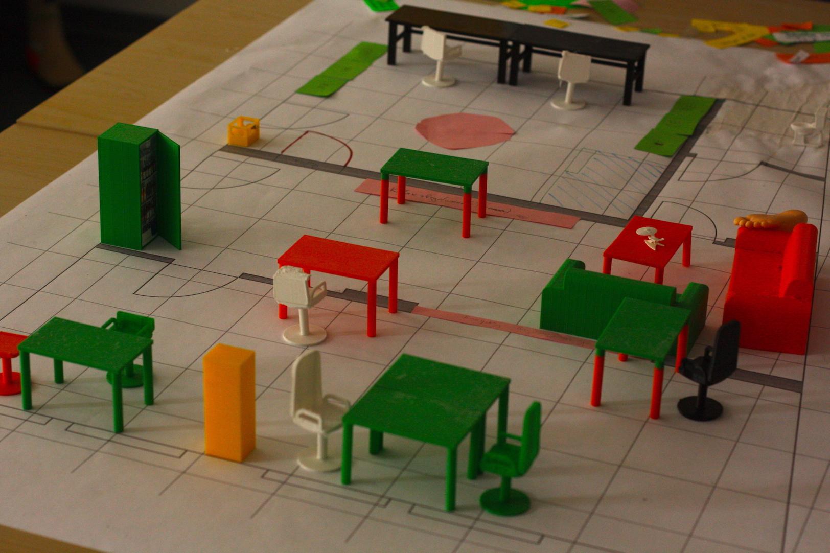 Mit einem großen Plan und 3D-Modellen wurde der Space geplant