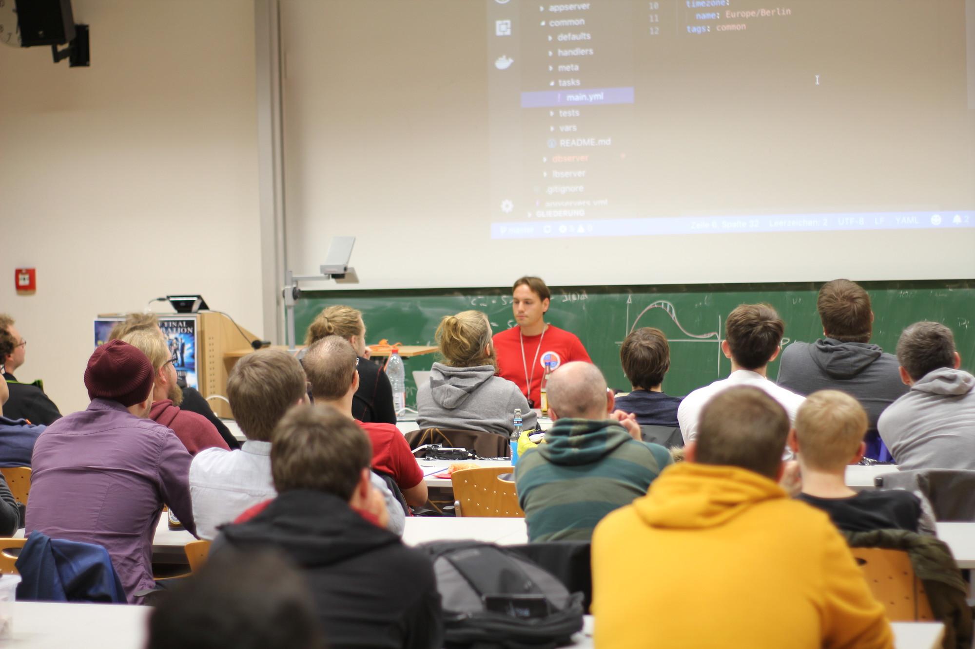 Tobias Mende im Vortrag